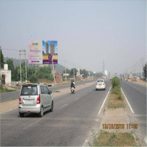 Bhondsi Village Near Toll Plaza ,Traffic Movement: Sohna Road to Gurgaon