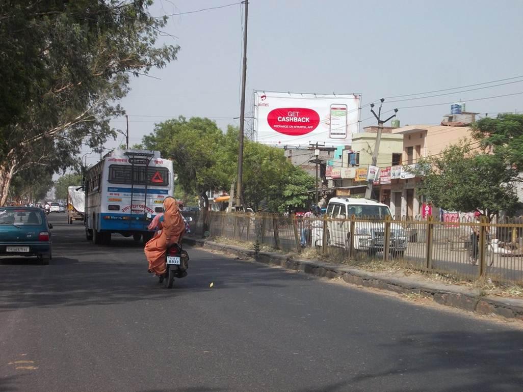 Railway road, Muradnagar