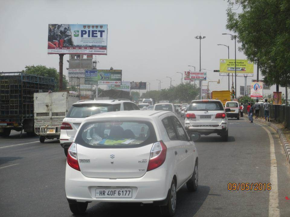 Shani  Mandir Red Lite , G T Road, Delhi