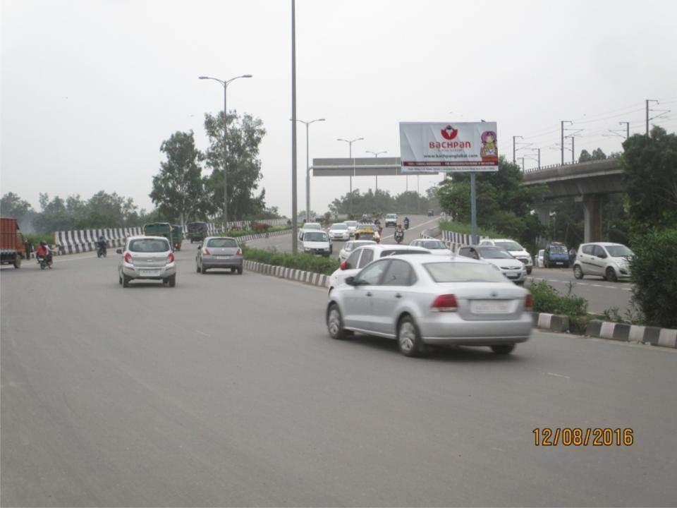 Lawrence Road Flyover Nr. Prem  Bari Red Lite Site
