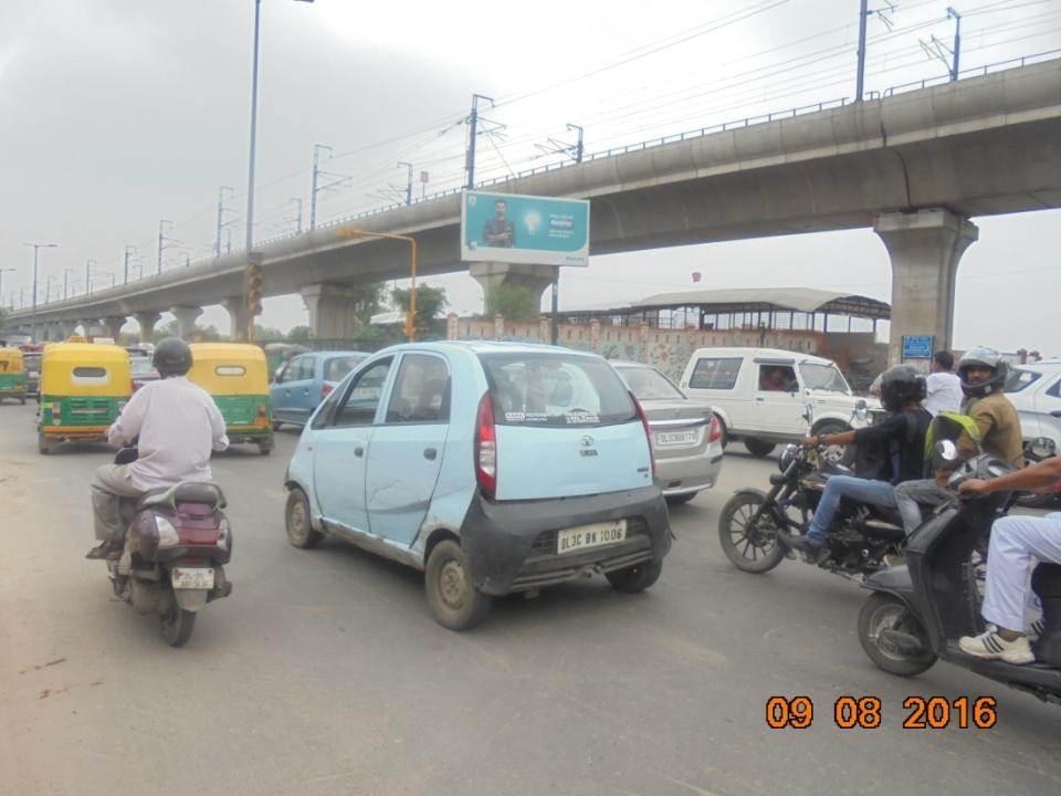 Inderlok  Metro Enrty Side, Delhi