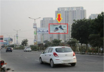 Sector Road Sec-81 Near Besttach & DLF Ultima, Traffic Movement: Pataudi  to NH-8