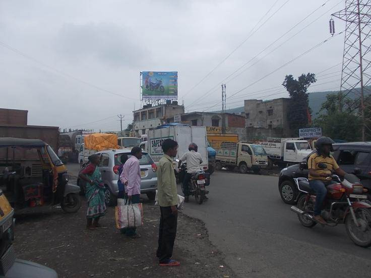 Court Road Near Mango Bus Stand, Jamshedpur