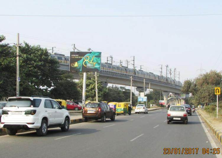 Outside Huda Metro Station, Gurgaon
