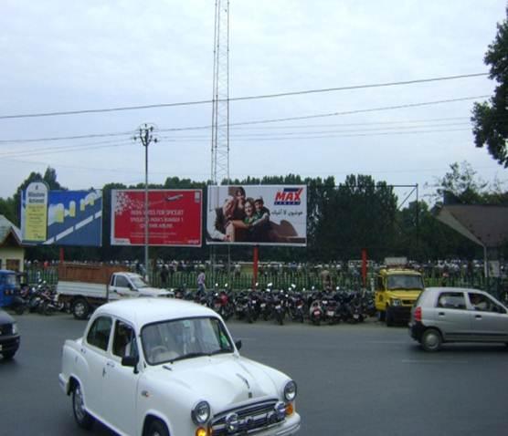 Near Sangarmal Complex, Srinagar