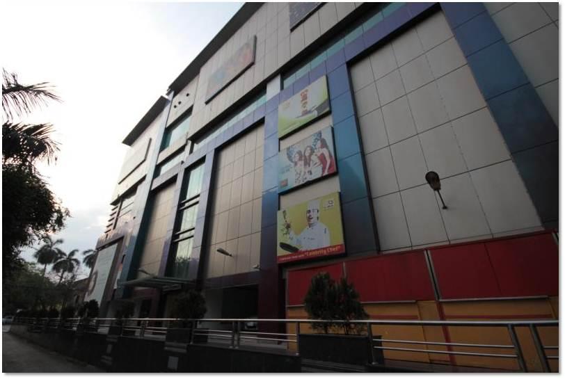South side wall, Kolkata
