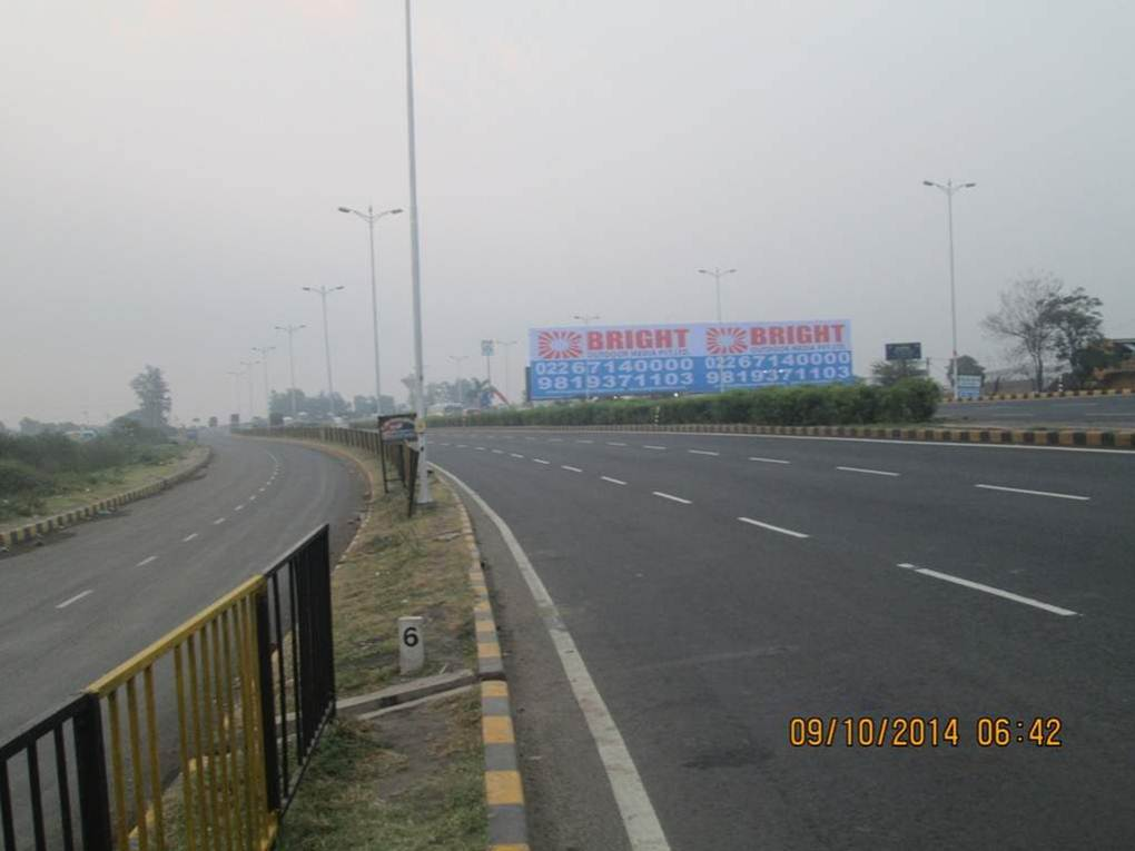 Mumbai Surat Highway At Pipodara Nr Shiv Shakti Petrol Pump ET, Mumbai