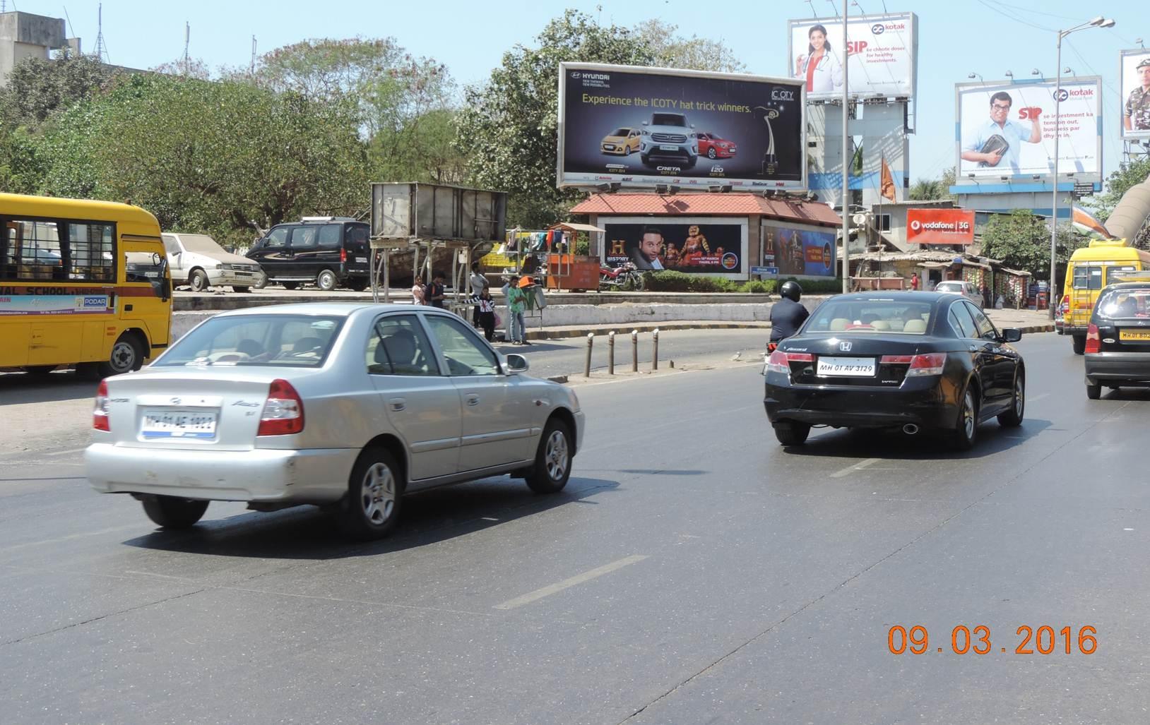 Mahim Causeway on Under FOB Mahim Koli Village ET, Mumbai