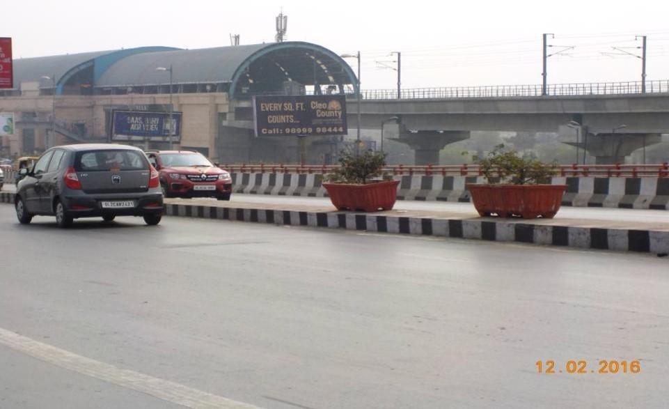 At Akshardham Near Metro Station, Delhi