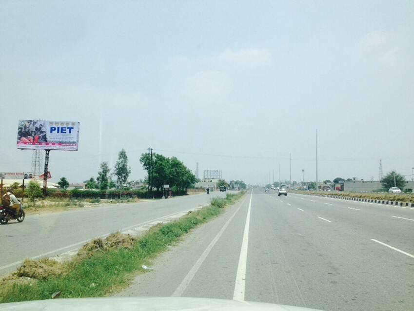 Ghraunda, Highway
