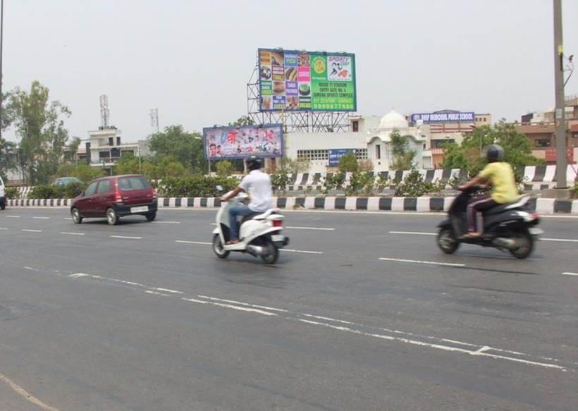 Ramprastha Colony, Near Anand Vihar ISBT, New Delhi
