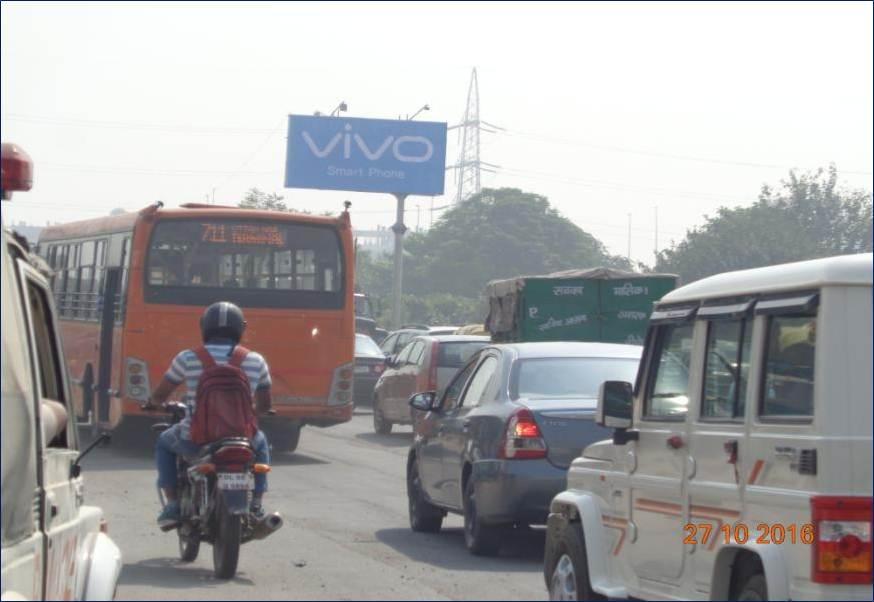 CNG Pump, Sarai Kalekhan, Ring Road, New Delhi