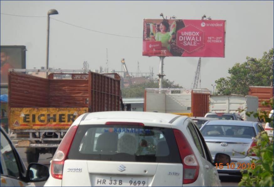 Sarai Kale Khan Railway Station & Bus Terminal, New Delhi