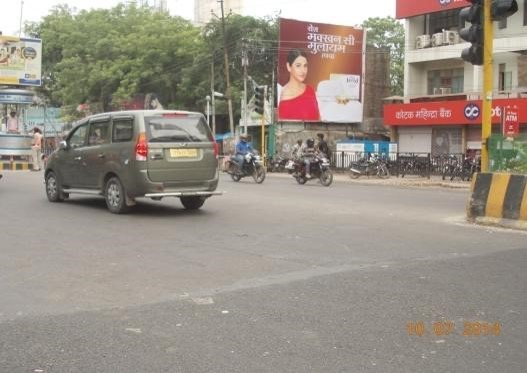 Meghdoot Xing, Mall Road, Kanpur