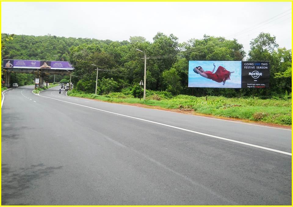 Airport road to Panjim at Cortalim, Goa