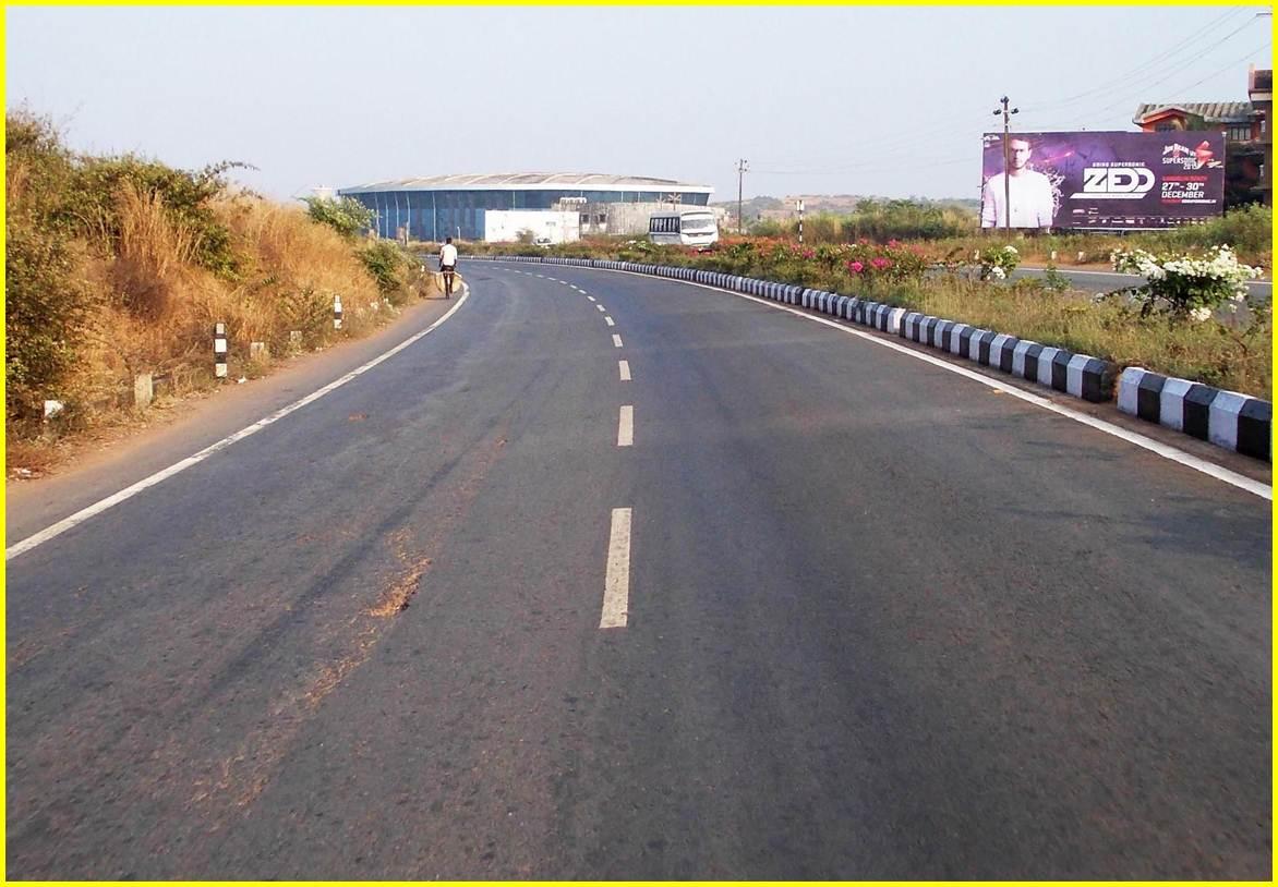 Airport road to Panjim / Margao at Zuari Nagar