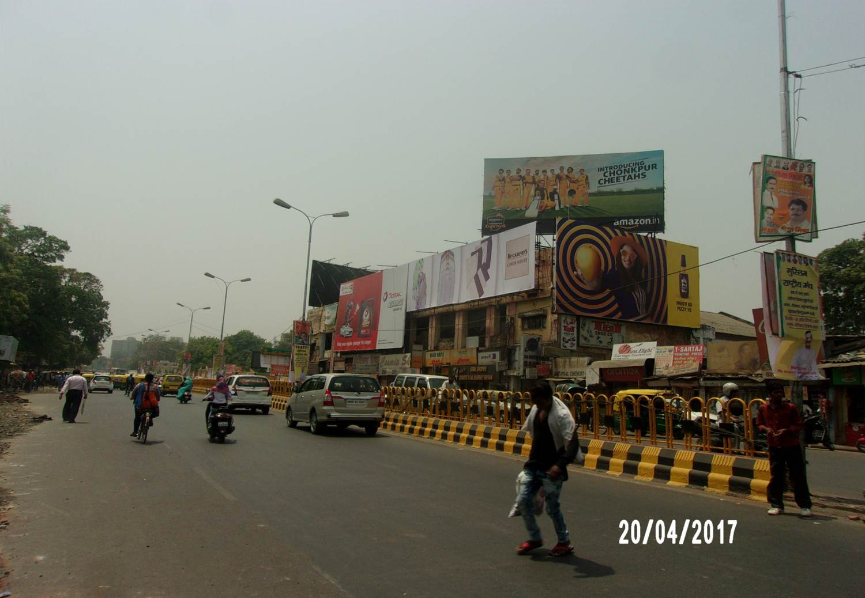 Hazratganj xing down, Lucknow